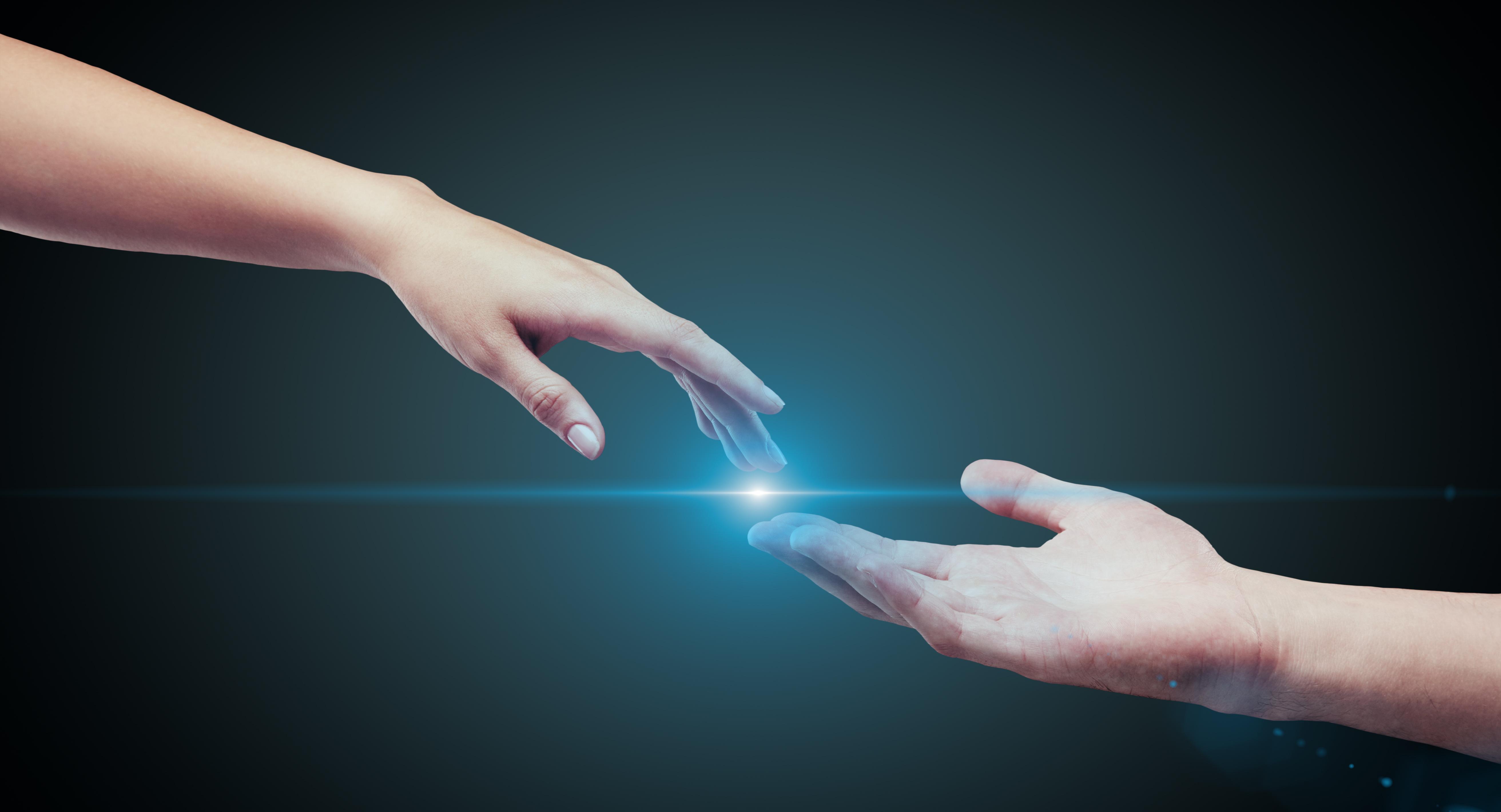 руки тянутся друг к другу картинки без фона создала вокруг себя