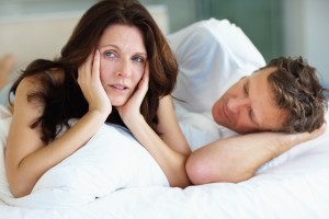 woman-frustrated-in-bed